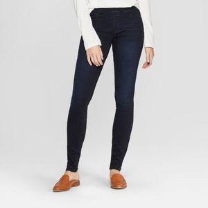 Universal Thread pull on jeans 14